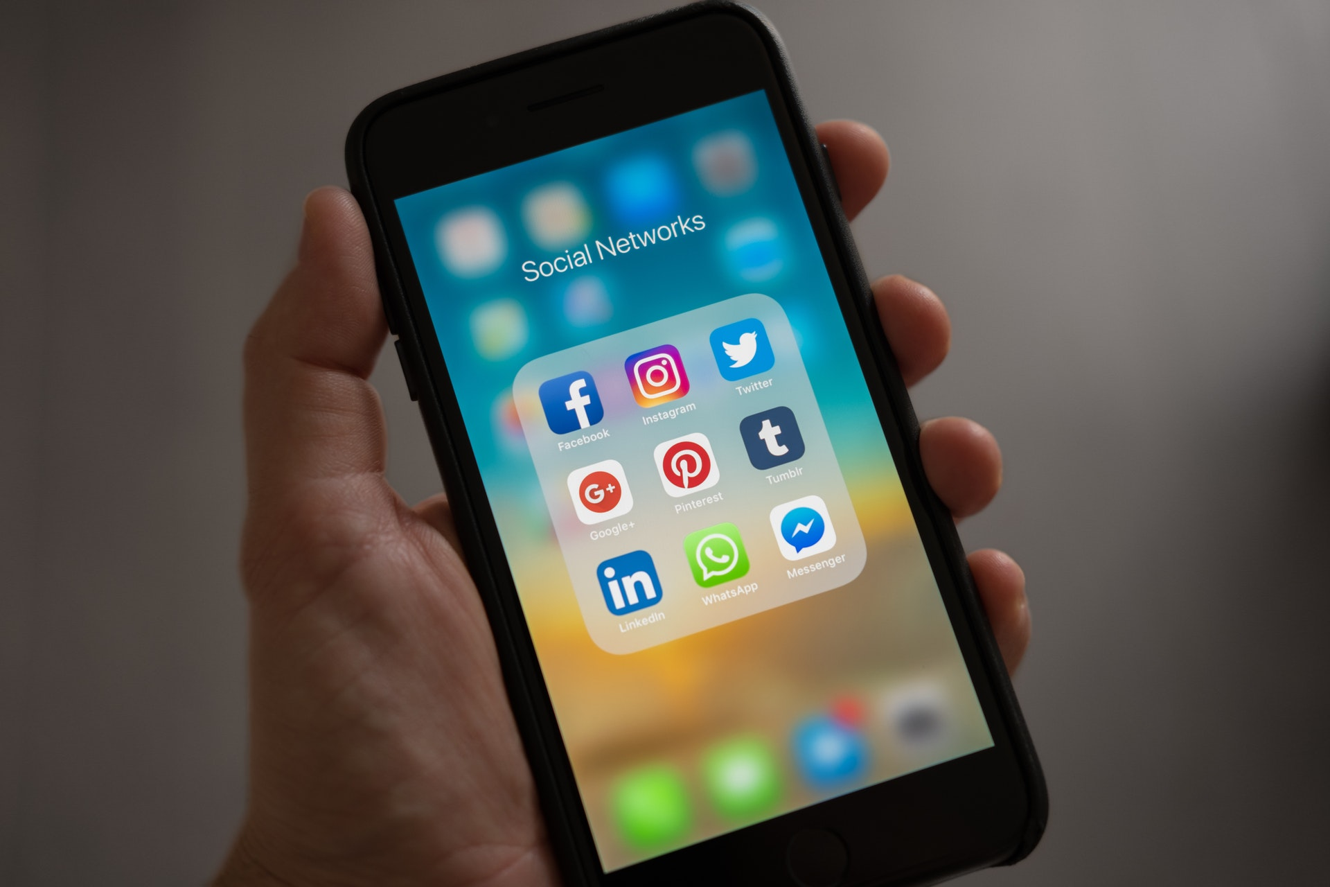4 PERSPECTIVES YOU SHOULD APPLY TO YOUR SOCIAL MEDIA MARKETING RIGHT NOW